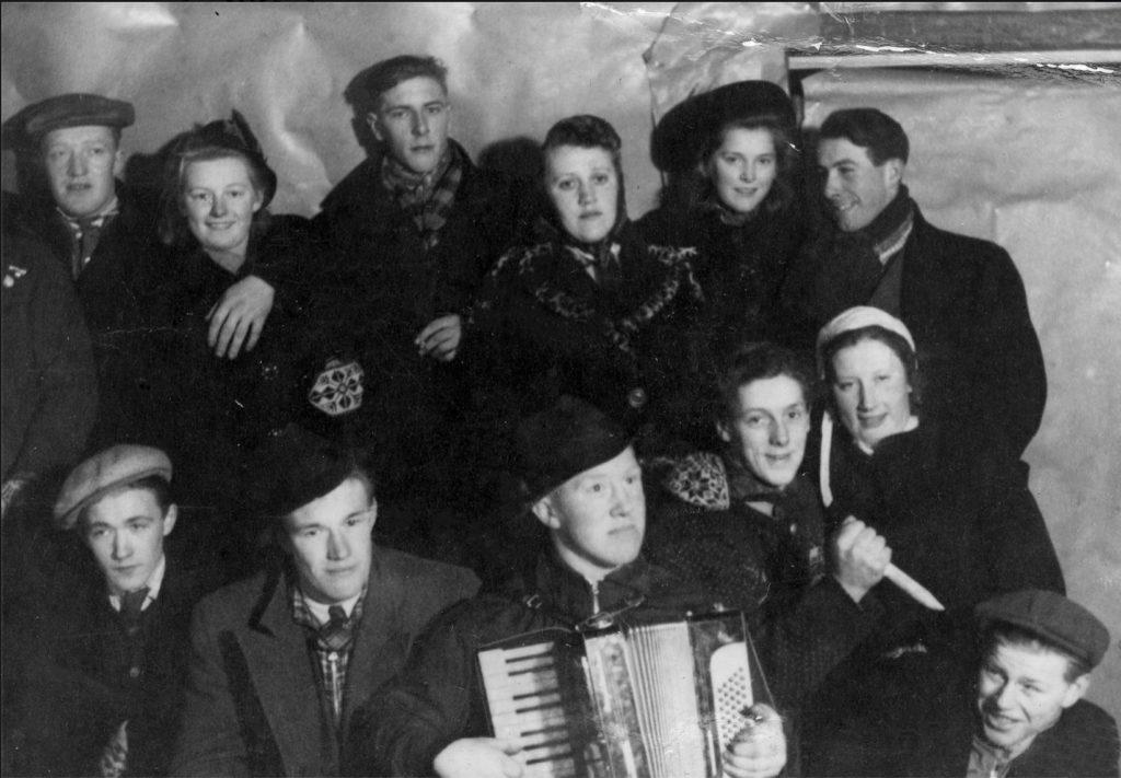 Fest i sommerfjøset ved Julset i 1941